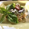 "Guest Blog: ""Guiltless"" Fettuccine Alfredo with Sautéed Mushrooms & Broccoli"