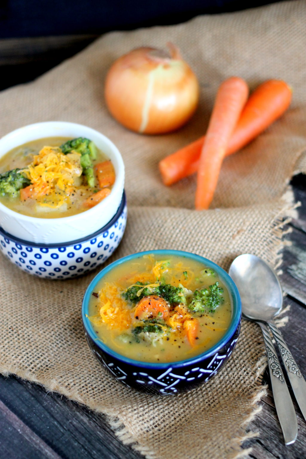 This Skinny Cheesy Vegetable Chowder is a hearty chowder reduces the fat and calories (only 160 per serving) without sacrificing any flavor! Seriously delicious and so easy to make!