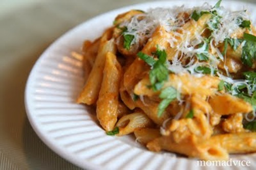 creamy-pumpkin-pasta-767093