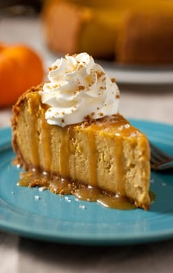 pumpkin cheesecake with salted caramel sauce1