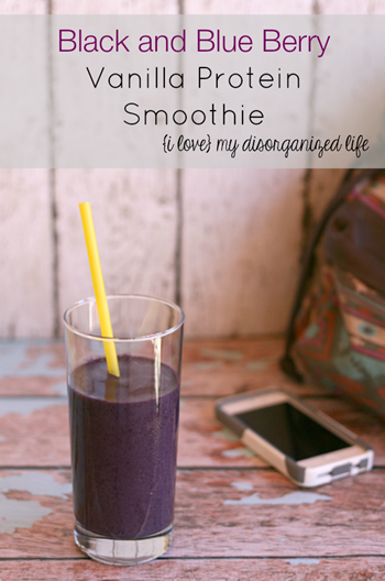Black-and-Blue-Berry-Vanilla-Protein-Smoothie-for-a-quick-and-nutritious-breakfast-on-the-go-smoothie-quickbreakfast