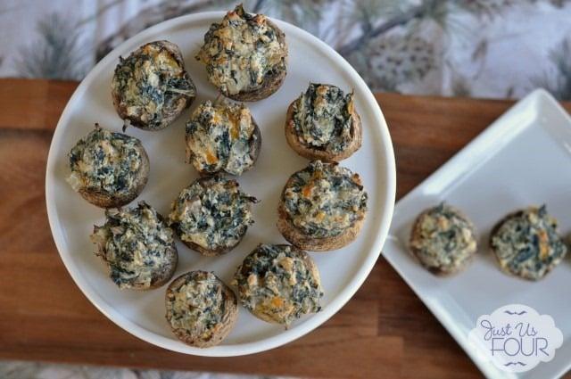 Spinach-Stuffed-Mushrooms-on-Pedastal_wm-640x425