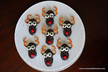 1-nutter-butter-Christmas-treats-snacks-cookies-reindeer-011
