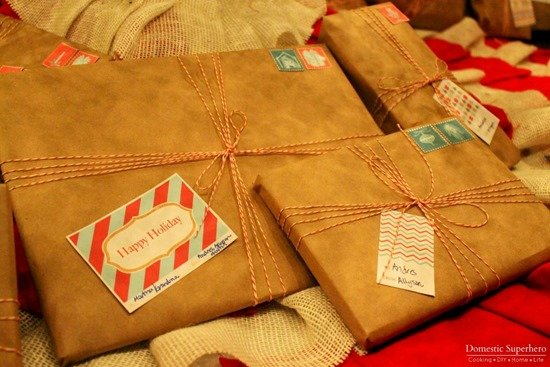 Cheap and Easy DIY Holiday Gift Wrapping with Kraft Paper, free printables, and bakers twine! 2