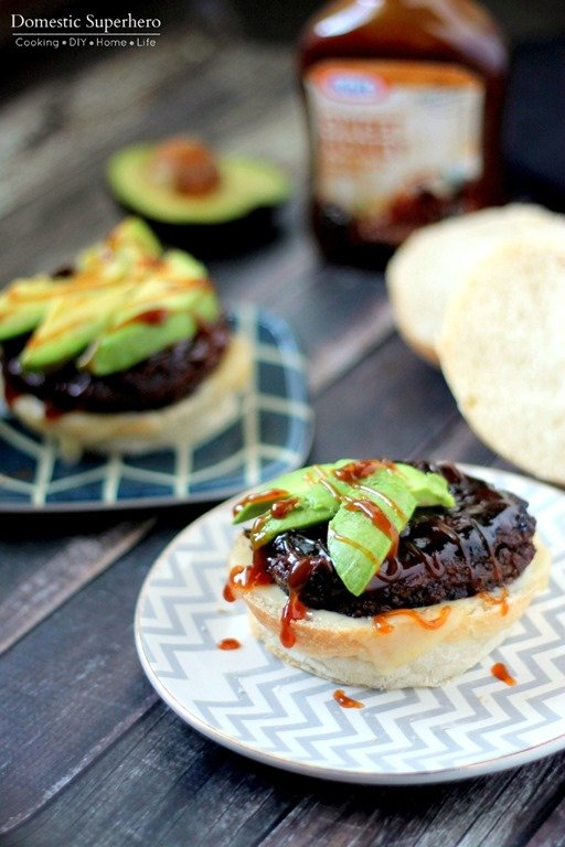 Spicy Black Bean Barbecue Avocado Burgers are spicy yet sweetened up ...