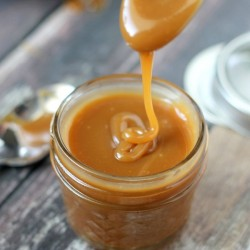 Super-Easy-Caramel-Sauce-3_thumb.jpg