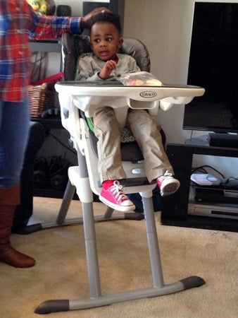 Easy Feeding with Graco® Swivi Seat™ Highchair 1 (11)