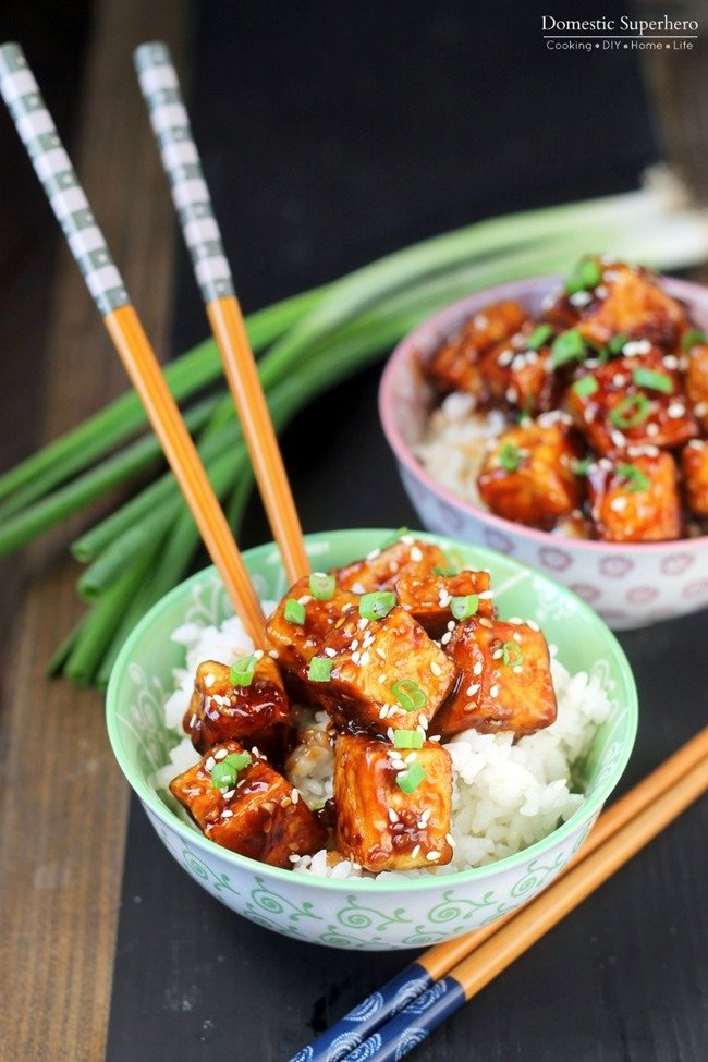 Honey Sesame Tofu is the perfect dinner for meatless Monday or vegetarians. The tofu is fried crispy and then tossed in a delicious sweet sauce!