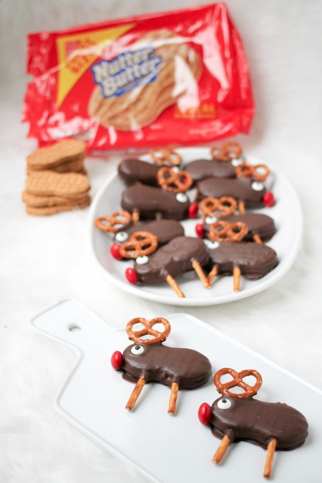 Holiday Reindeer Cookies are easy no bake cookies that the whole family will love!