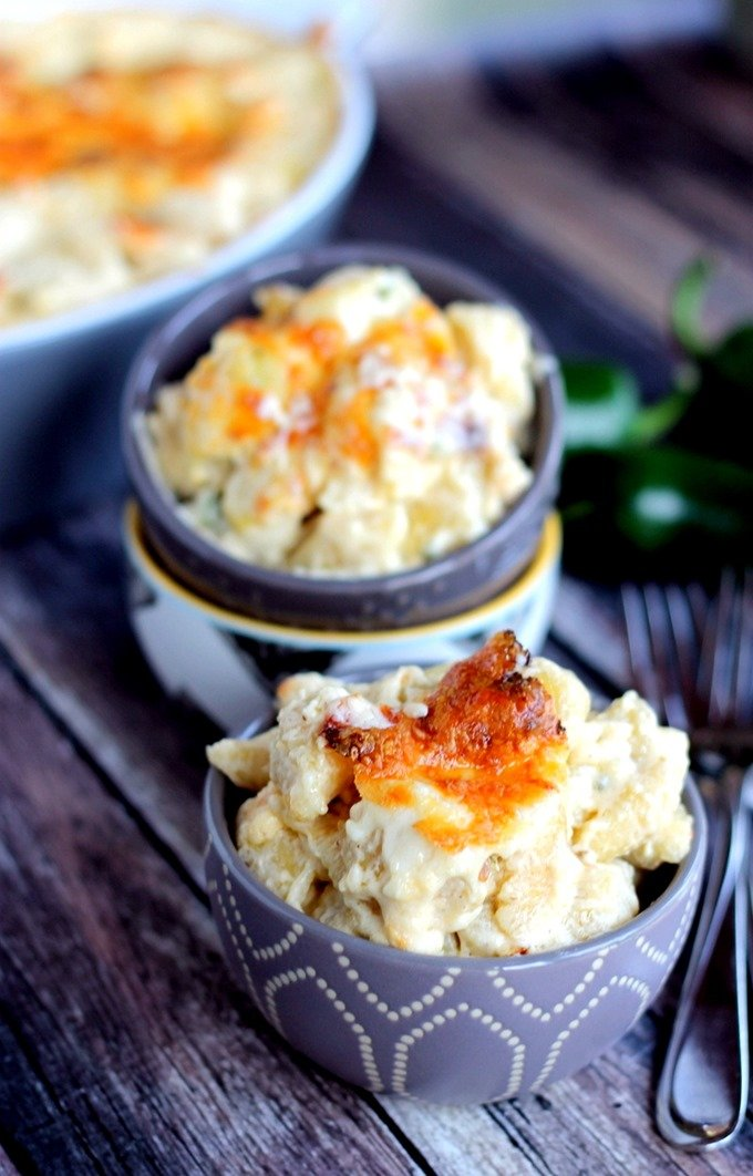 Spicy Jalapeno Mac & Cheese is ultra creamy with a kick of spice; the perfect homemade Mac & Cheese!