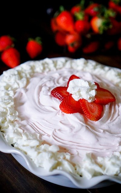 Frozen Strawberry Yogurt Pie by The Love Nerds