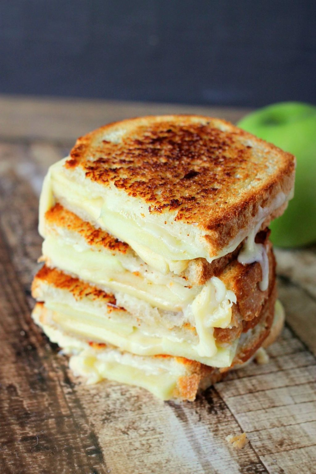Apple Grilled Cheese is the perfect fall lunch! Smokey gouda cheese melted between tart granny smith apples is savory and delicious!