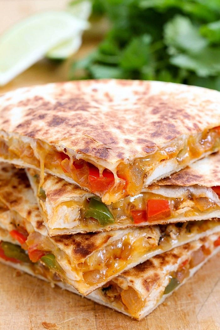 Chicken Fajita Quesadilla - 15+ Game Day Snacks @ yummyhealthyeasy.com