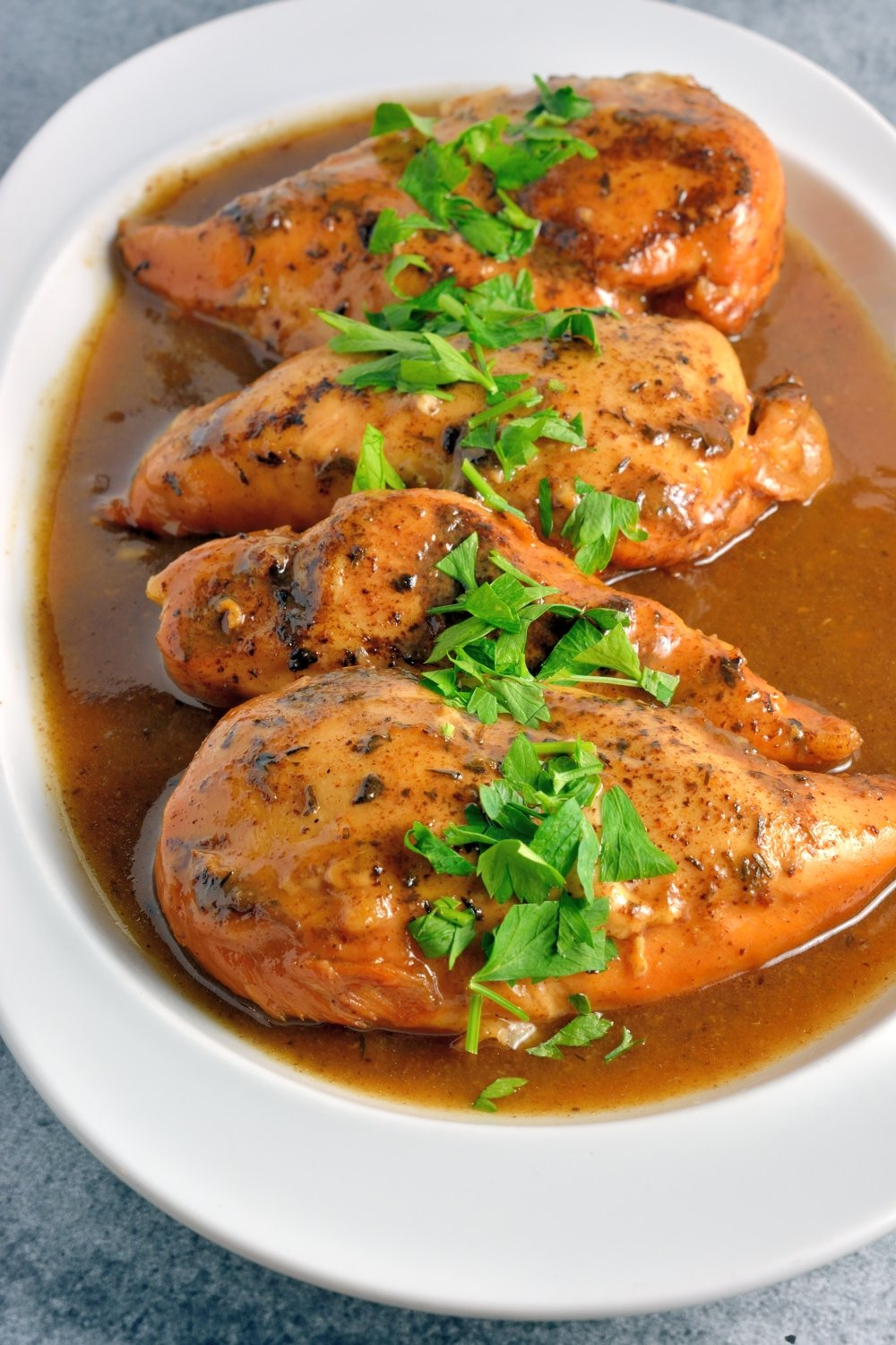 Slow Cooker Apple Balsamic Chicken - 15+ Fall Slow Cooker Recipes!