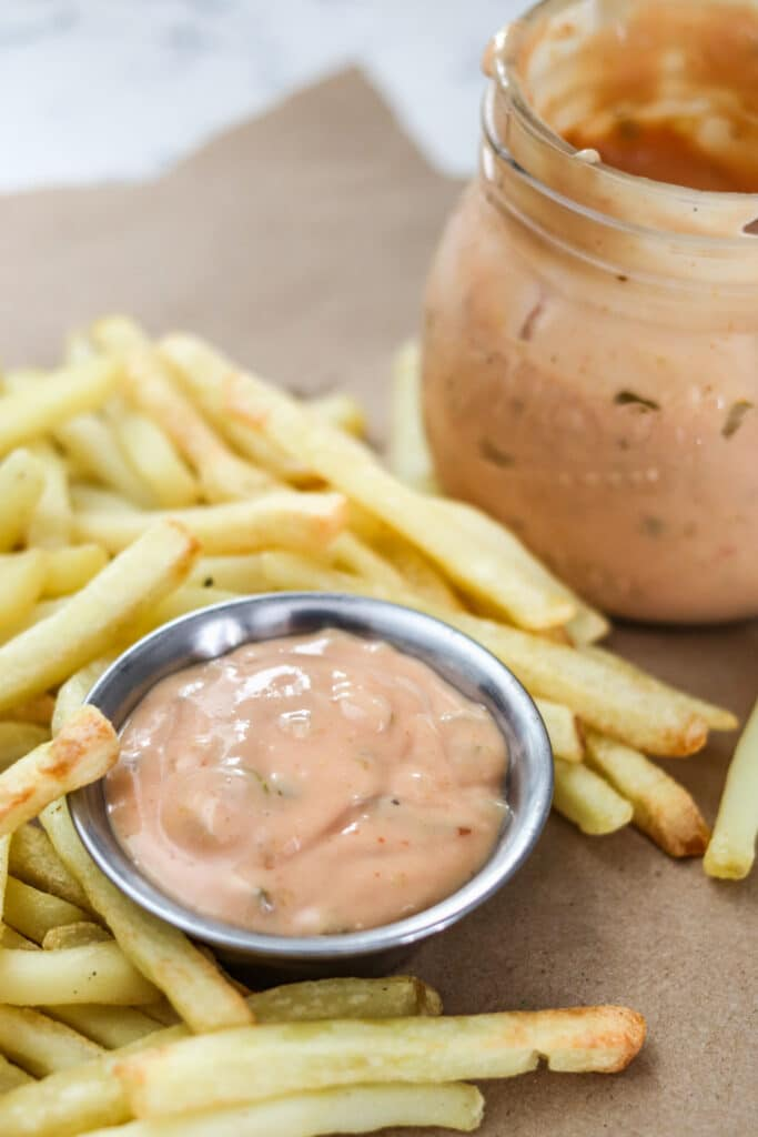 In-n-Out Sauce is famous on their burgers and to dip fries into! Now you can make it at home with this perfect copycat in-n-out sauce recipe!